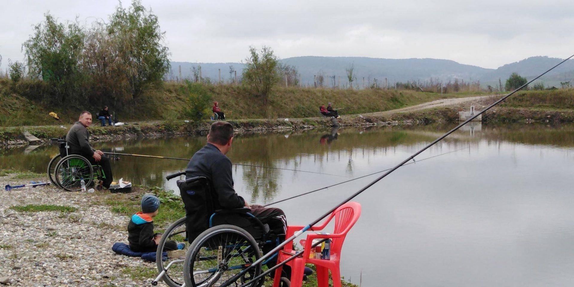 FOTO: Aproape 5 kilograme de pește a prins câștigătorul ediției a 8-a a Cupei handicap la pescuit