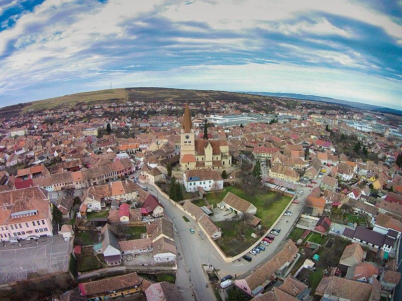 Nouă localităţi, între care Cisnădie, Carei şi Polovragi, ar putea fi atestate ca staţiuni turistice de interes local