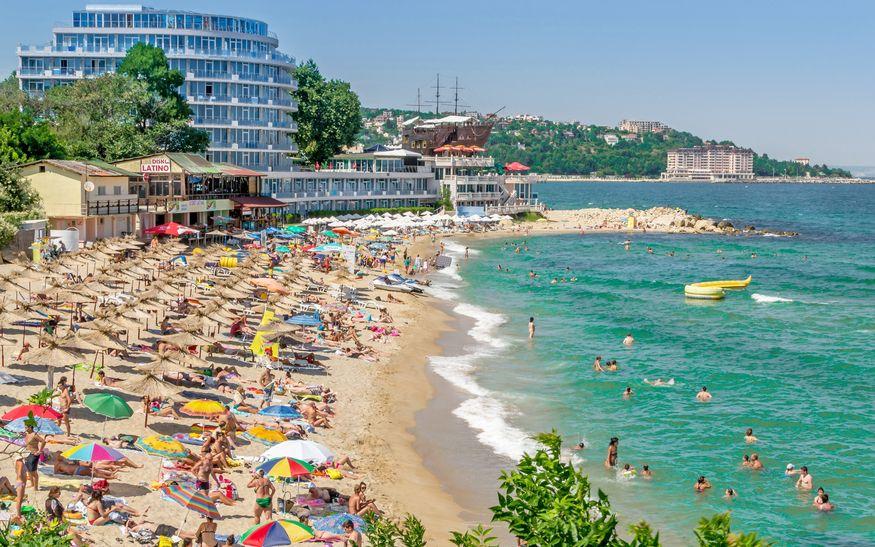 """Profilul turistului """"all inclusive"""": Îşi cumpără vacanţa cu mult timp înainte şi vrea să aibă totul asigurat"""