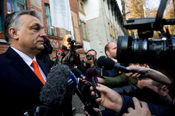 Guvernul Ungariei intenționează să vândă ventilatoare mecanice după o achiziționare excesivă