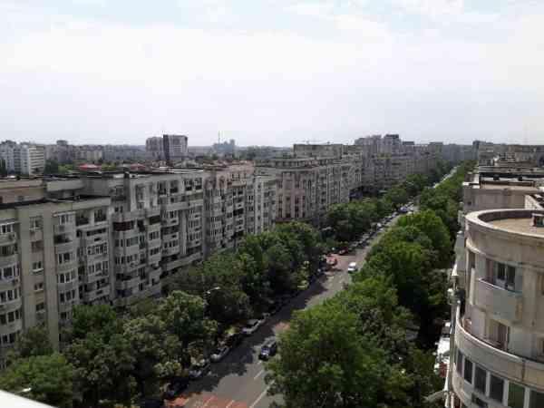 Peste 80% dintre români nu vor să se mute în Capitală. Cu ce cuvinte asociază Bucureștiul