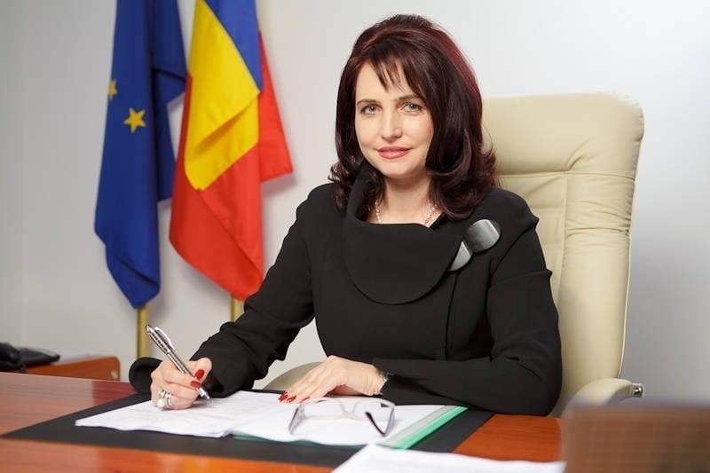Crinuța Dumitrean a fost condamnată la 6 ani și 3 luni de închisoare! I se confiscă și 400.000 de euro