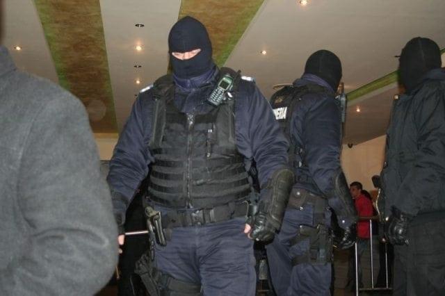 PERCHEZIȚII în Bistrița Năsăud, capitală și alte șase județe! Luau credite ilegal!