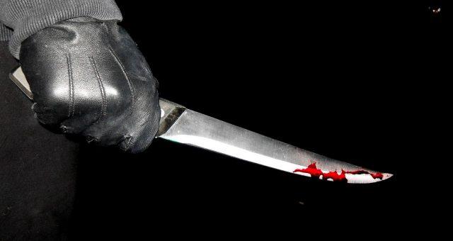 NĂSĂUD: O tânără a băgat cuțitul într-un bărbat