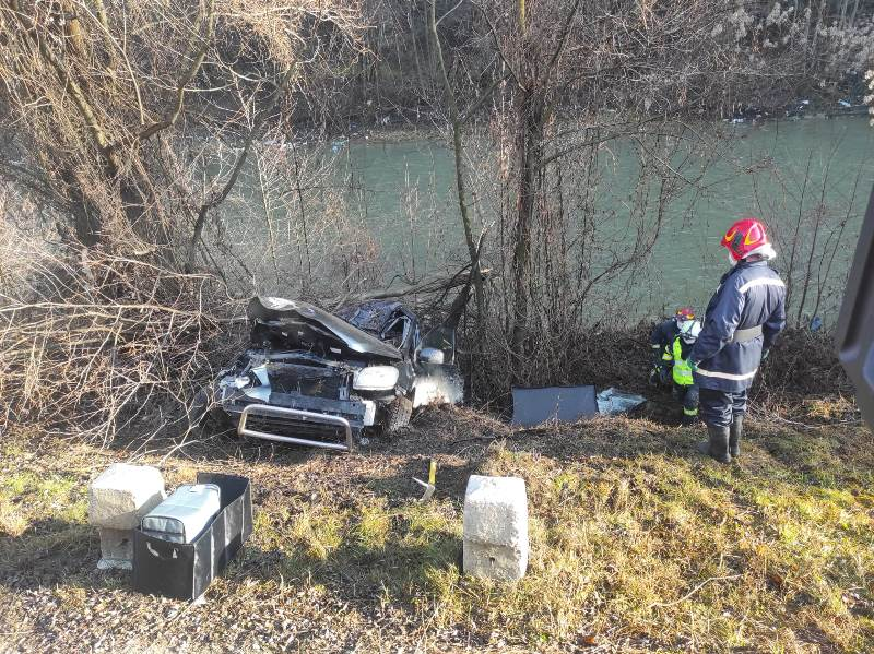 Două persoane au fost rănite în urma unui accident produs în Ilva Mică (FOTO)