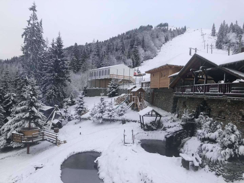 FOTO: A nins ca-n povești, la Alpina Blazna! Când se deschide pârtia de schi