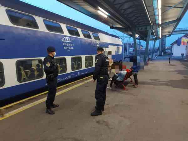Bărbat plasat în carantină în București, prins de jandarmi în gara din Bistrița