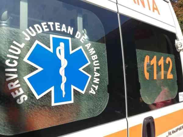 Un bărbat a ajuns la spital după un accident rutier în Monor